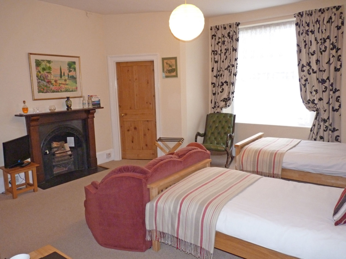 Room 2 twin ensuite